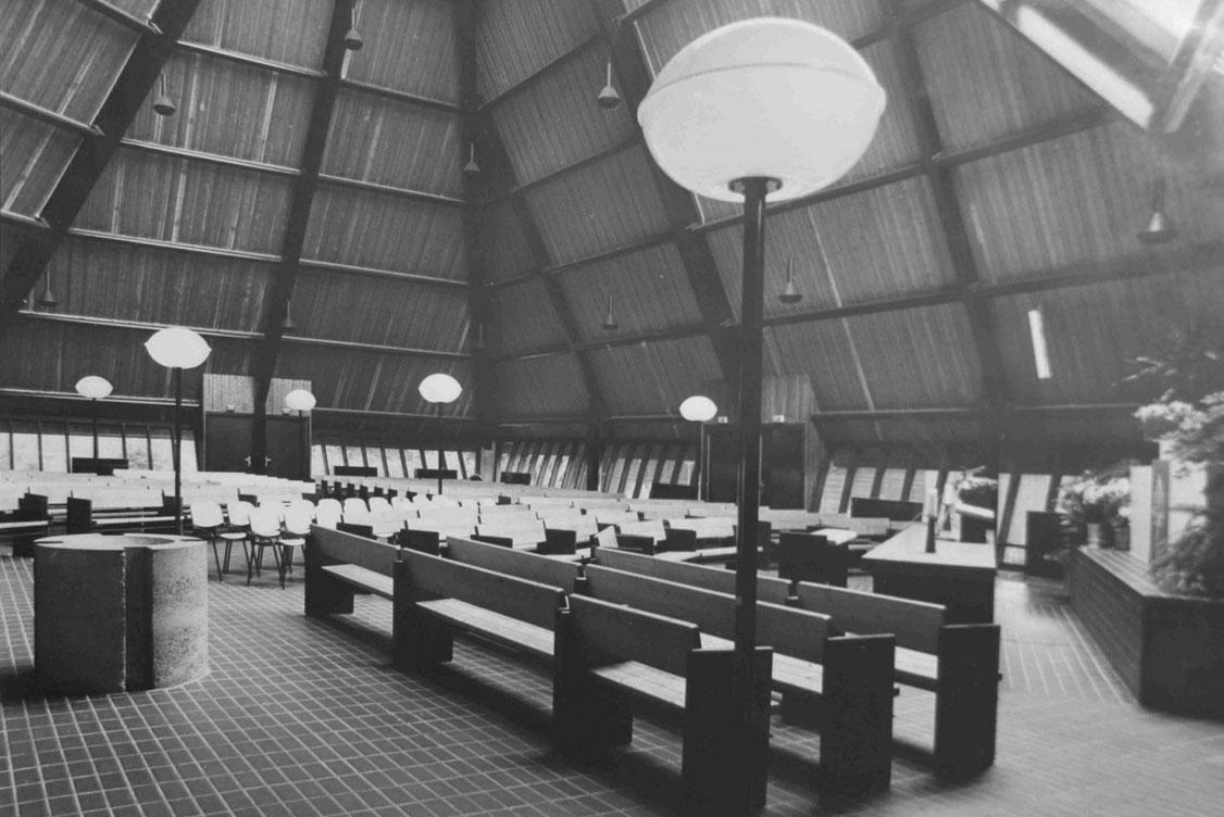 Post 65 Gebedshuizen. Kerken, moskeeën, synagogen en tempels in Nederland 1966 – 2019